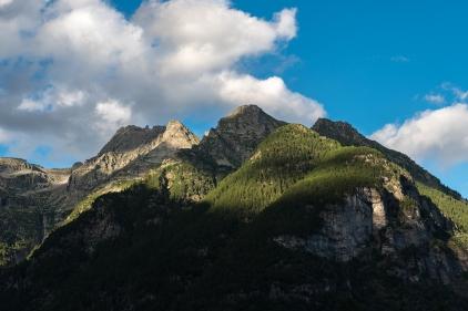 Berggipfel im Tessin. Aufgenommen aus dem Val Verzasca