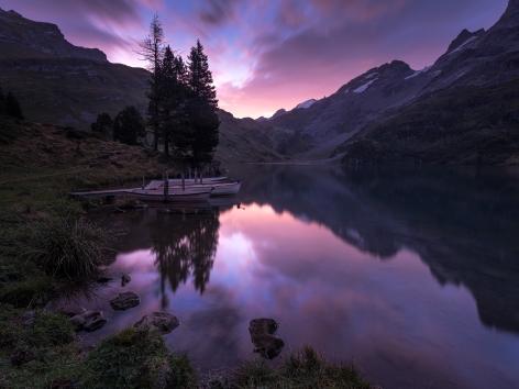 Sonnenaufgang am Engstlensee. Kurz vor dem Wetterwechsel. Was für tolle Farben